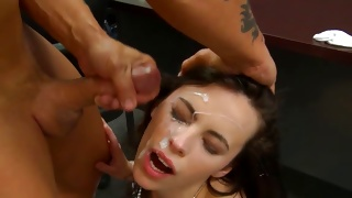 Brunette hottie is screaming during the fabulous fuck